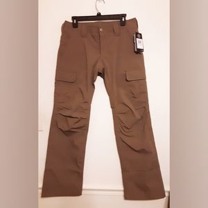 NWT Under Armour Pants. Size 10